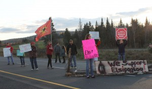 Tobique First Nation holds a peaceful demonstration in support of Elsipogtog on the TransCanada Highway