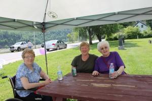 Marina Christophersen, Mavis Clark & Molly Schofield came to enjoy the lovely day & event