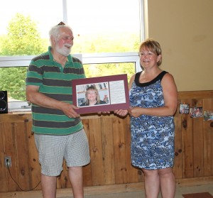 Mayor Terry Ritchie presents Reta Kelley  with the 2014 Wall of Fame plaque